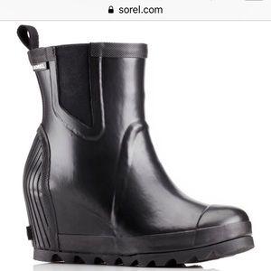 Sorel Joan Rain Wedge Chelsea Boot